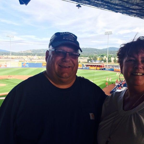 Das Foto wurde bei Spokane Indians Diamond Club von Vicki W. am 7/5/2014 aufgenommen