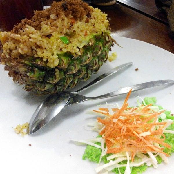 Photo taken at Phuket Thai Resto by Khabatul A. on 7/8/2014