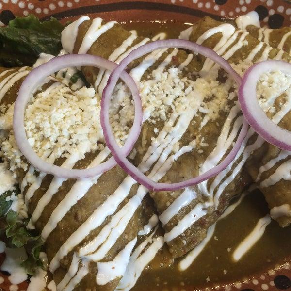 Foto tomada en Testal - Cocina Mexicana de Origen por Sasha G. el 2/16/2016