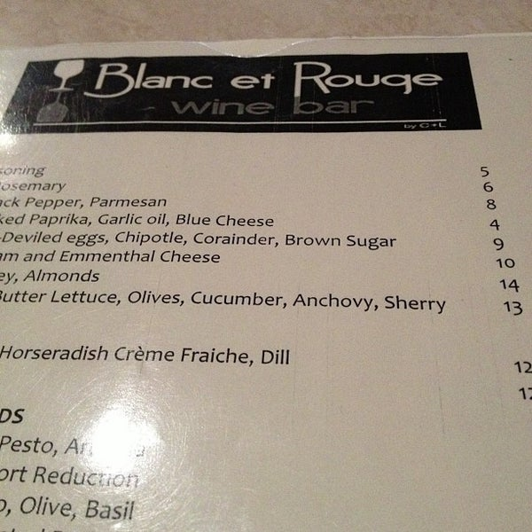 Photo taken at Blanc et Rouge by Kouros M. on 11/8/2012
