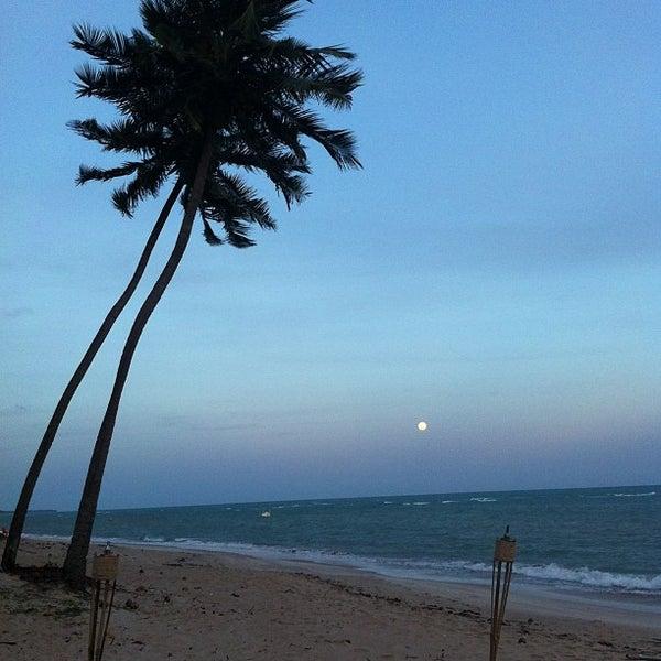 Foto tirada no(a) Praia da Garça Torta por Thiago A. em 1/26/2013