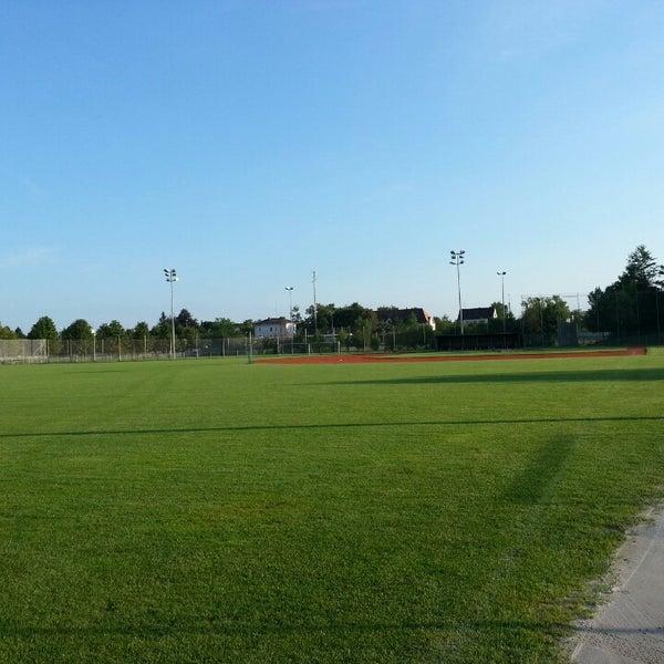 Das Foto wurde bei Ballpark Eglfing von Marcel R. am 8/30/2013 aufgenommen
