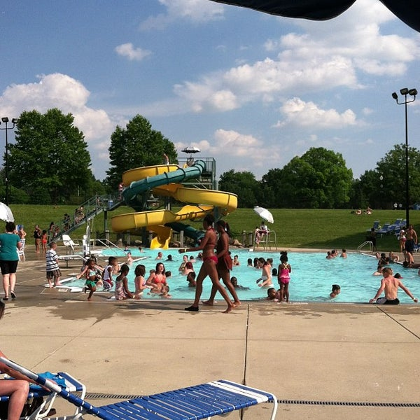Garfield park aquatic center water park in garfield park - Garfield park swimming pool denver ...