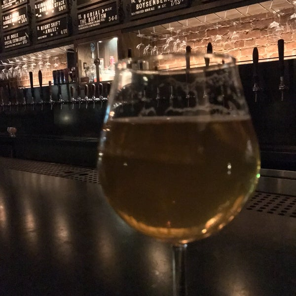 Love the ambiance. Great beer!