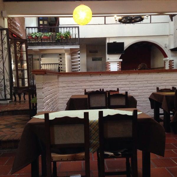Foto tomada en Restaurante Tony por DANIEL R. el 3/2/2014