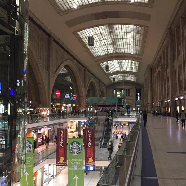 Das Foto wurde bei Promenaden Hauptbahnhof Leipzig von Martin O. am 10/29/2014 aufgenommen
