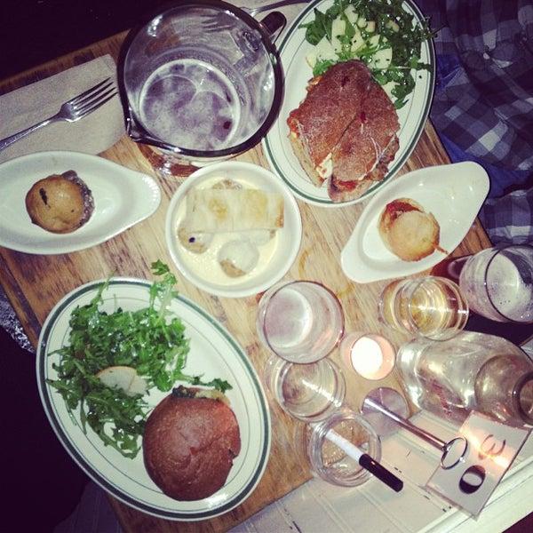 Photo prise au The Meatball Shop par Lesley F. le4/17/2013