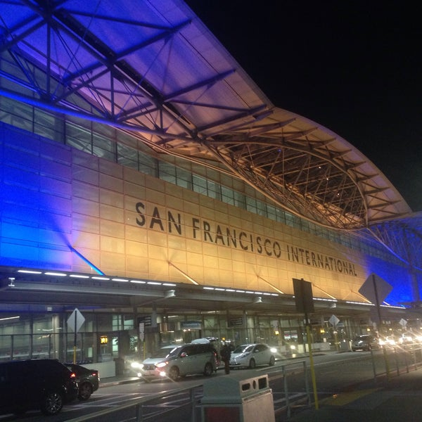 Photo taken at San Francisco International Airport (SFO) by Medwyn G. on 5/15/2015