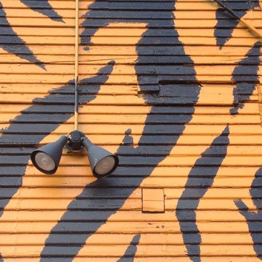 Снимок сделан в Hungry Tiger пользователем Brian V. 6/7/2012