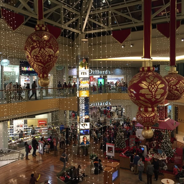 Photo taken at CoolSprings Galleria by Bryan T. on 12/20/2015