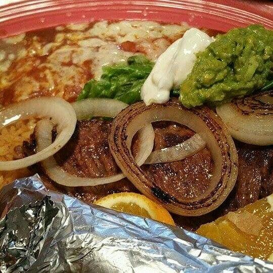 Foto tomada en Fiesta Martin Mexican Grill por Stephanie M. el 8/23/2015
