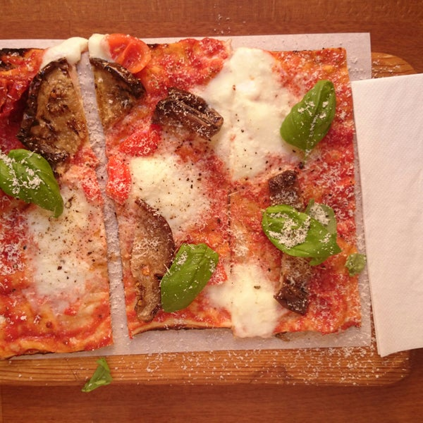 pizza parmigiana ist die beste!