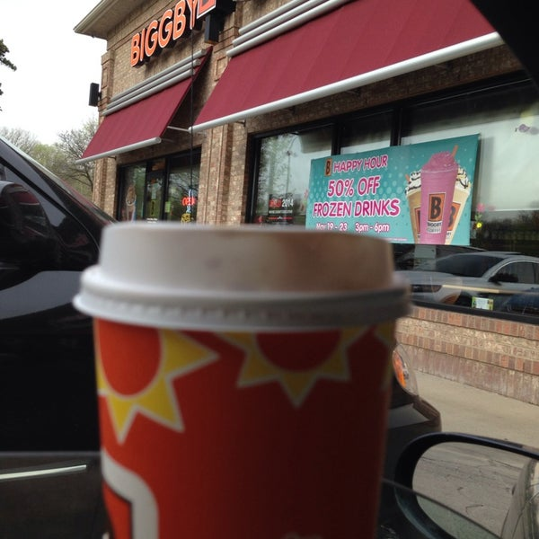 Photo taken at BIGGBY COFFEE by Corrie R. on 5/9/2014