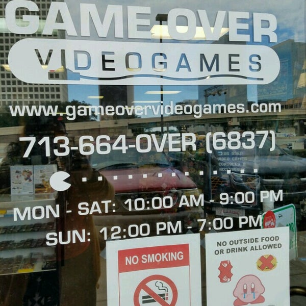 Photo taken at Game Over Videogames by Miriam G. on 12/19/2016
