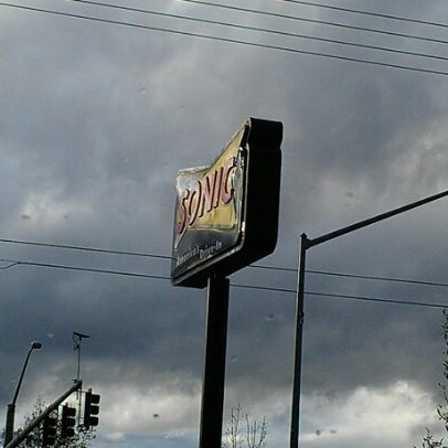 Photo taken at SONIC Drive In by Laura H. on 10/28/2012