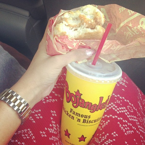 Photo taken at Bojangles' Famous Chicken 'n Biscuits by Irene K. on 1/12/2013