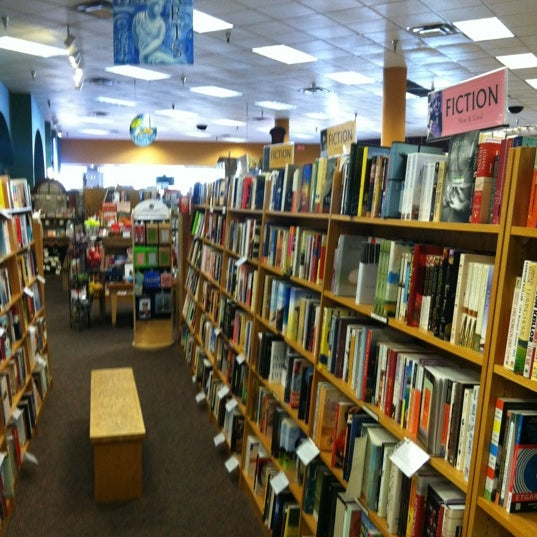 Photo taken at Changing Hands Bookstore by Gregory H. on 10/11/2012