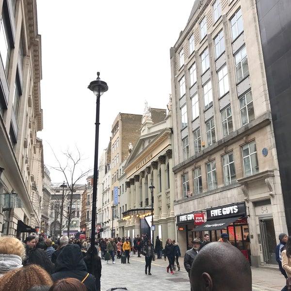 Foto scattata a The London Palladium da Jack L. il 4/1/2018