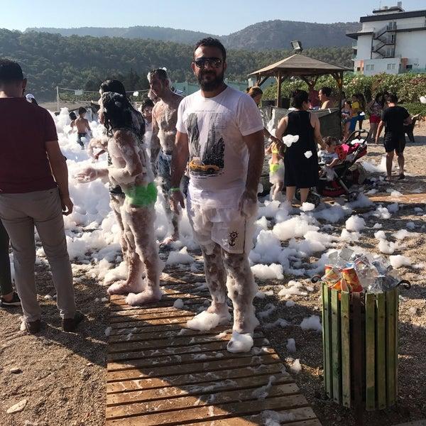 รูปภาพถ่ายที่ Ulu Resort Hotel โดย Hagı B. เมื่อ 8/22/2017
