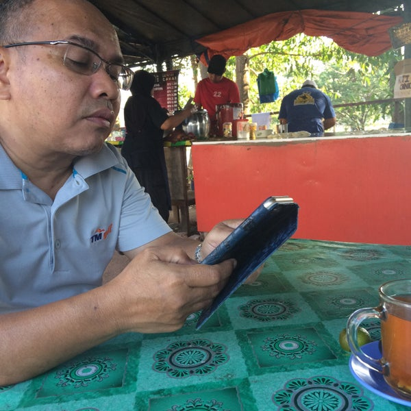 Photo taken at Nasi Lemak Cinta Sayang by Sharifah H. on 3/11/2016