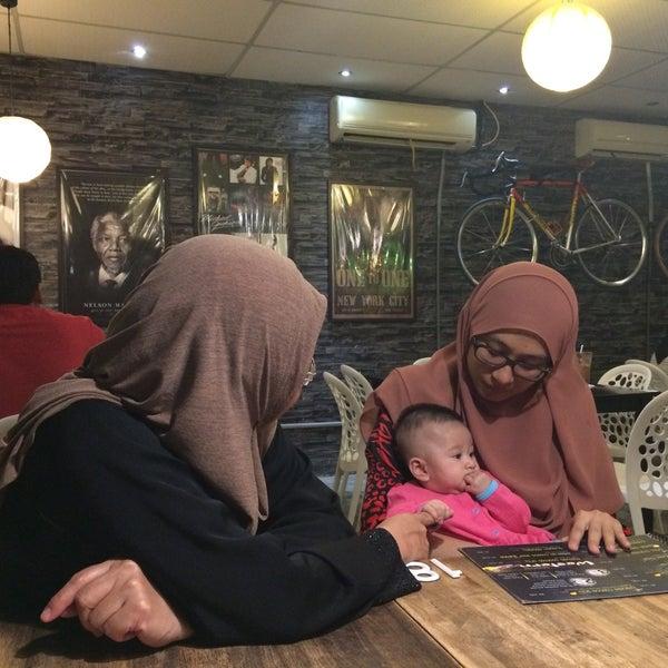 Photo taken at LeBOSS Restaurant by Sharifah H. on 9/26/2016