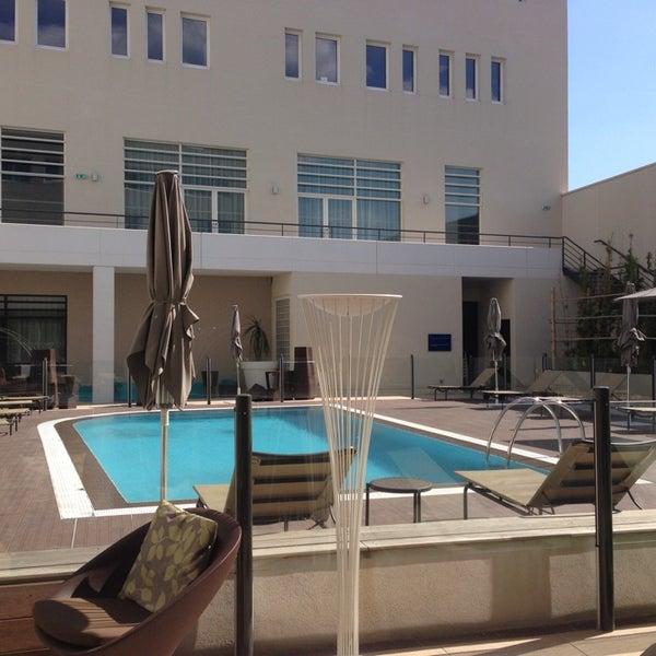 Novotel centre avignon 20 boulevard saint roch for Hotel avignon piscine
