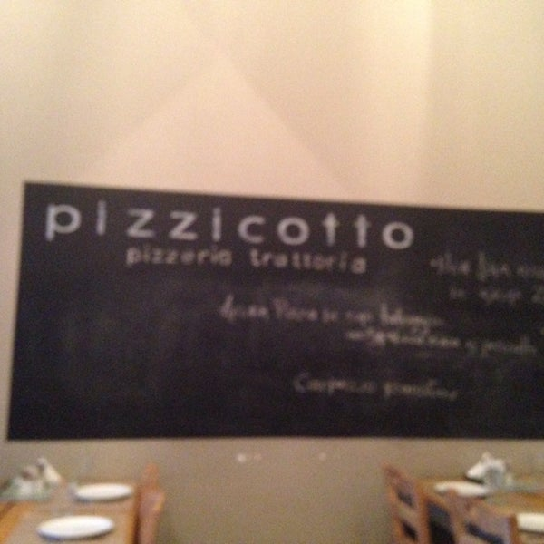 Photo taken at Pizzicotto by Theofilos A. on 6/1/2014