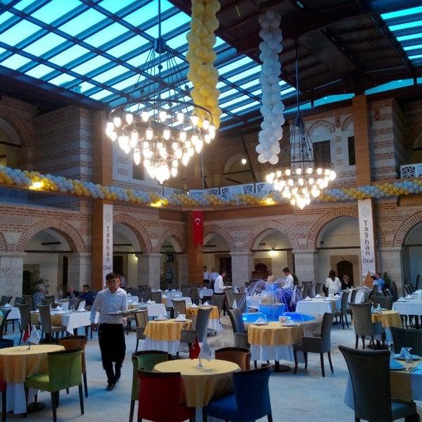 6/14/2014 tarihinde Mehmet Yasin E.ziyaretçi tarafından Taşhan Otel'de çekilen fotoğraf
