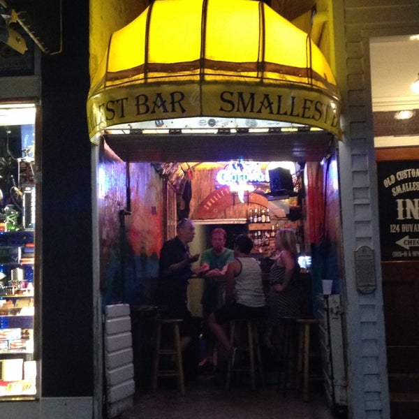 Photo taken at Smallest Bar by Julia R. on 8/12/2014