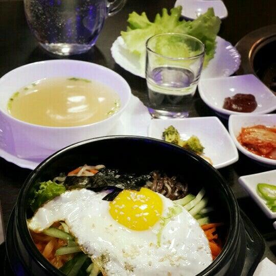 Foto tomada en Korean BBQ гриль por Anna B. el 1/30/2016