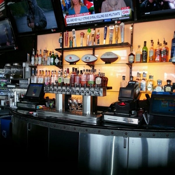 Photo taken at On Deck Sports Bar & Grill by Brad A. on 2/5/2015