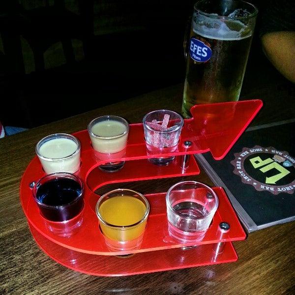 12/12/2012 tarihinde КУziyaretçi tarafından Up Shot Bar'de çekilen fotoğraf