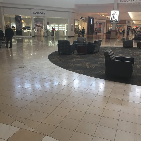Photo taken at Ocean County Mall by Scott Kleinberg on 10/23/2016