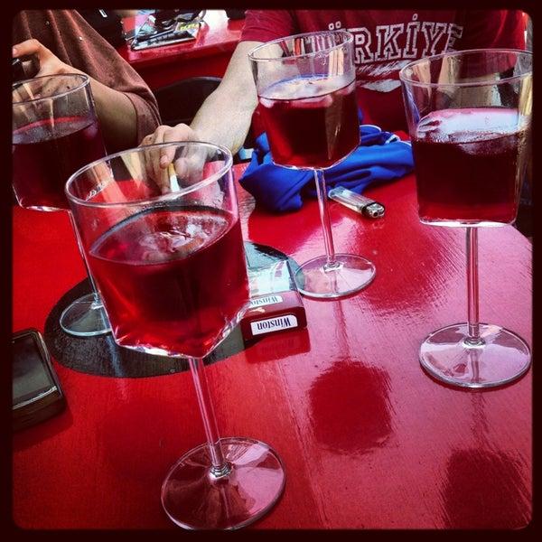 5/19/2013 tarihinde Gizem E.ziyaretçi tarafından Ada Cafe'de çekilen fotoğraf