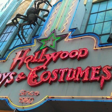 Photo taken at Hollywood Toys & Costumes by John H. on 10/12/2012