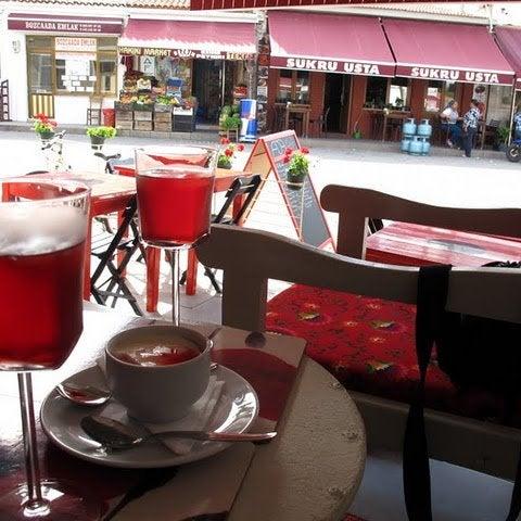 5/26/2014 tarihinde Ada Cafeziyaretçi tarafından Ada Cafe'de çekilen fotoğraf
