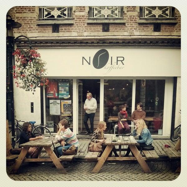 Photo taken at Noir Koffiebar by B. B. on 9/30/2014