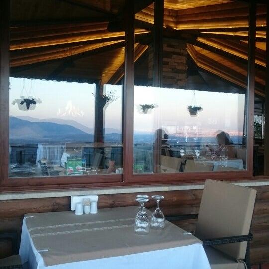 Photo taken at Körfez Aşiyan Restaurant by Özcan U. on 3/22/2015