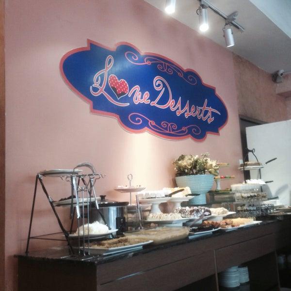4/25/2017 tarihinde Pamela D.ziyaretçi tarafından Love Desserts'de çekilen fotoğraf