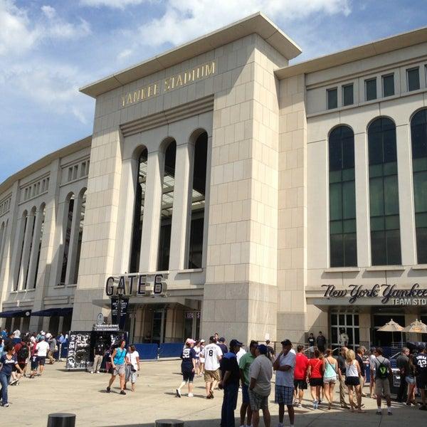 Photo taken at Yankee Stadium by ayumu i. on 7/27/2013