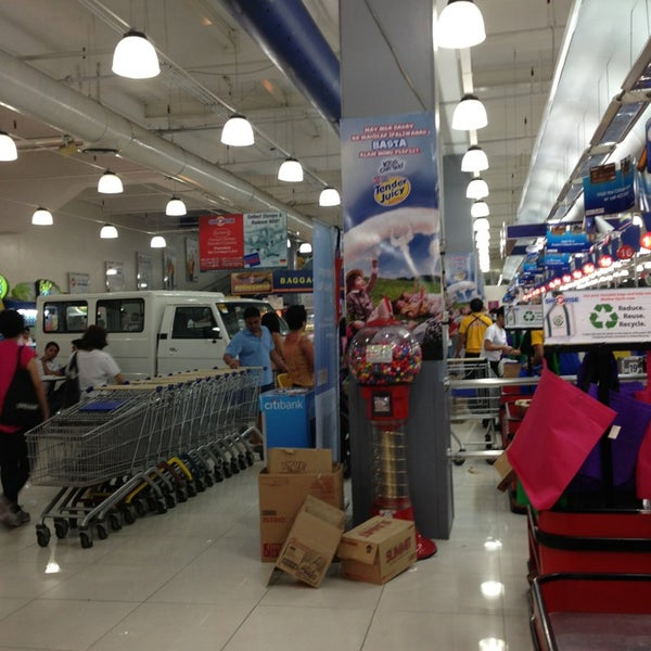 Photo taken at Shopwise by AebbyGurl on 7/27/2013
