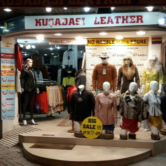 Foto tirada no(a) Kusadasi Leather por Evren U. em 5/2/2016
