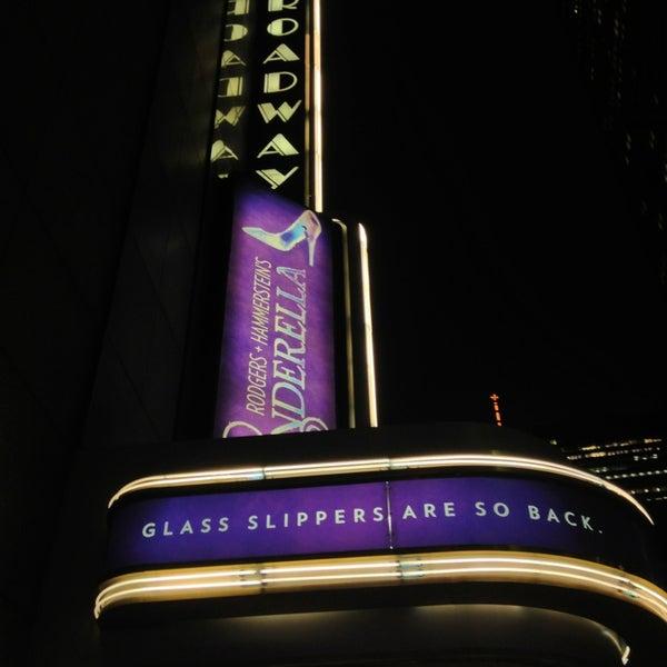 2/28/2013にLaurent D.がBroadway Theatreで撮った写真