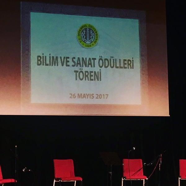 5/26/2017 tarihinde Neslihan 💛❤️ziyaretçi tarafından İstanbul Üniversitesi Kongre Kültür Merkezi'de çekilen fotoğraf