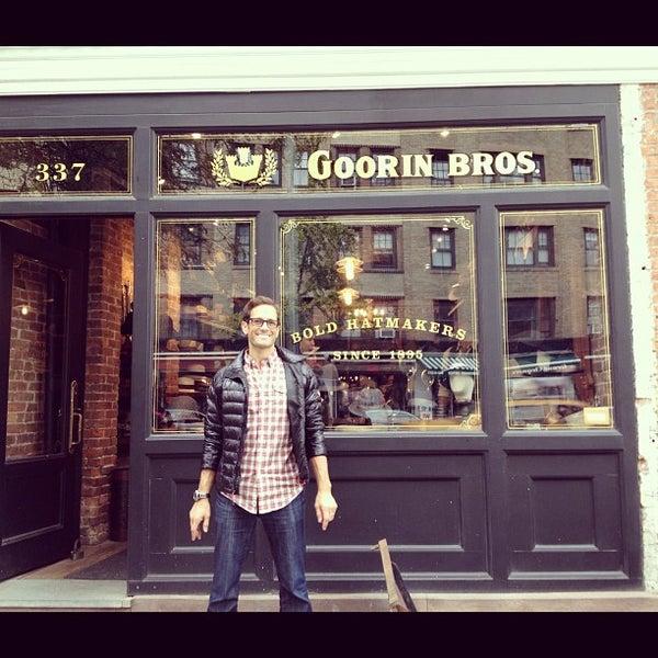 Снимок сделан в Goorin Bros. Hat Shop - West Village пользователем Garrett G. 10/27/2012