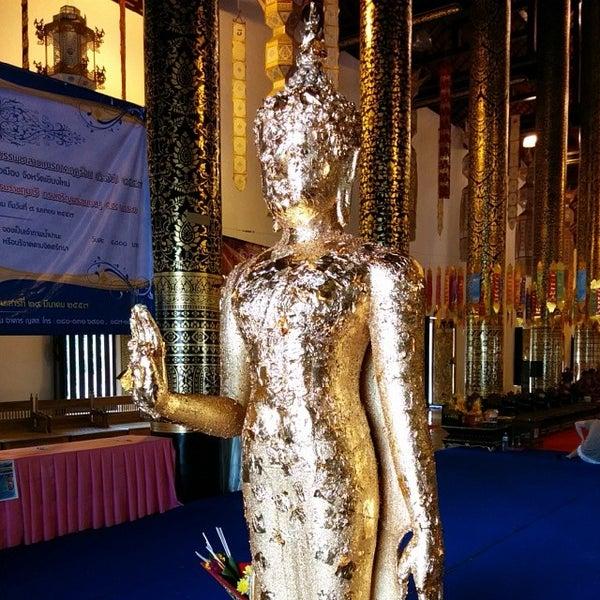 Photo taken at Wat Chedi Luang Varavihara by Surapat C. on 3/11/2014