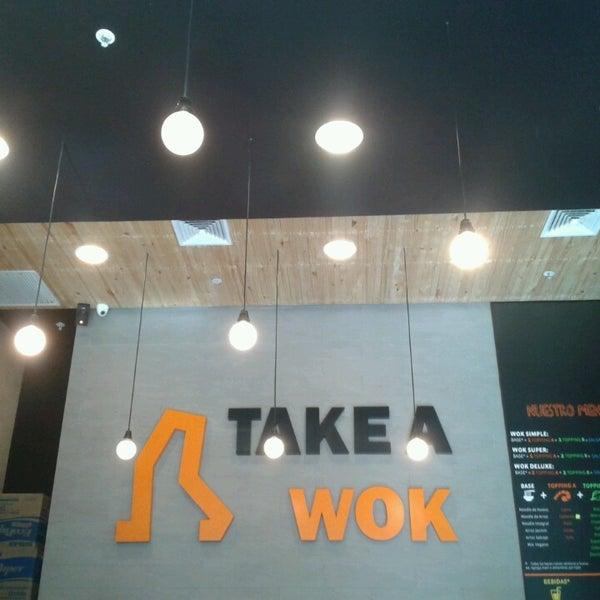 Foto scattata a Take a Wok da Rolo R. il 3/11/2013