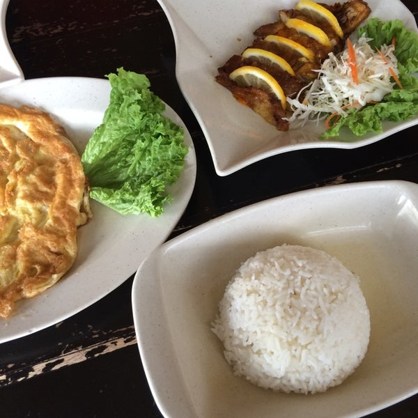 Photo taken at Soul Thai Restaurant by Nanies R. on 8/20/2014