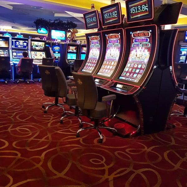 Optibet tarjoaa online-vedonlyöntiä ja Internet-kasinon.