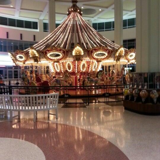 Galleria Mall: Wolfchase Galleria